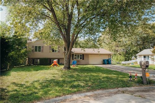 Photo of 1030 Bogalusa Court, Indianapolis, IN 46217 (MLS # 21813595)