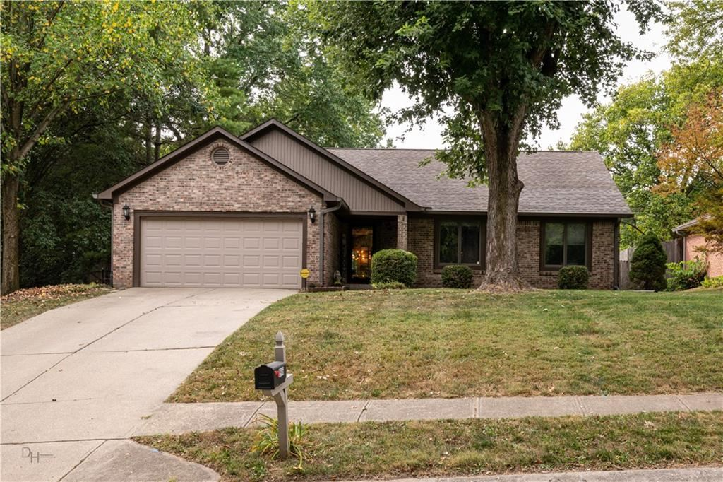 8946 Chessie Drive, Indianapolis, IN 46217 - #: 21740599