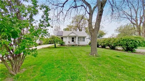 Photo of 3724 North Kercheval Drive, Indianapolis, IN 46226 (MLS # 21778610)