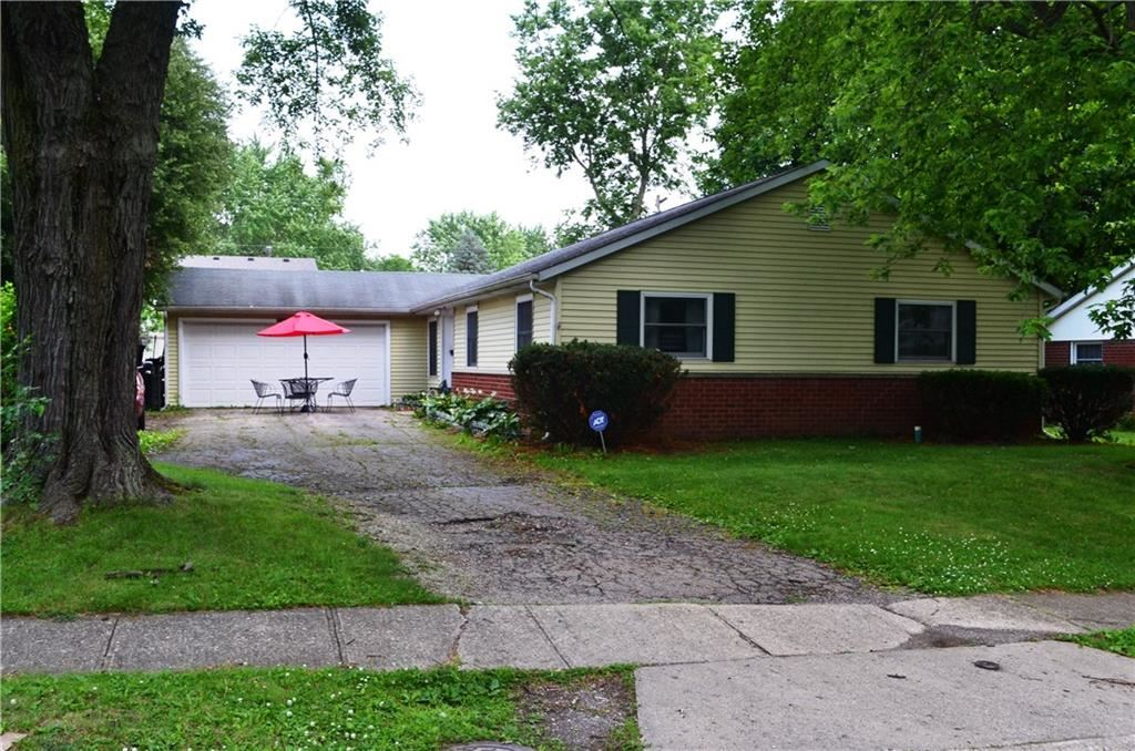 10330 Lawnhaven Drive, Indianapolis, IN 46229 - #: 21723617