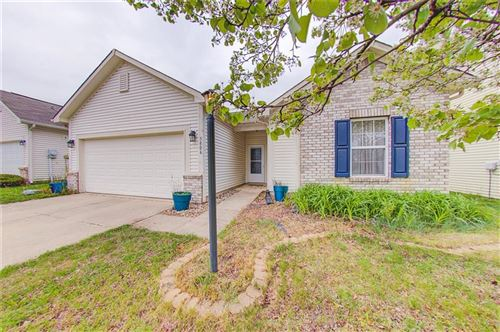 Photo of 5806 Sable Drive, Indianapolis, IN 46221 (MLS # 21779622)