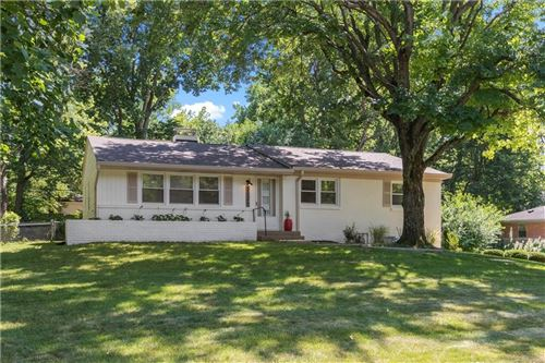 Photo of 3735 East 55th Street, Indianapolis, IN 46220 (MLS # 21730630)