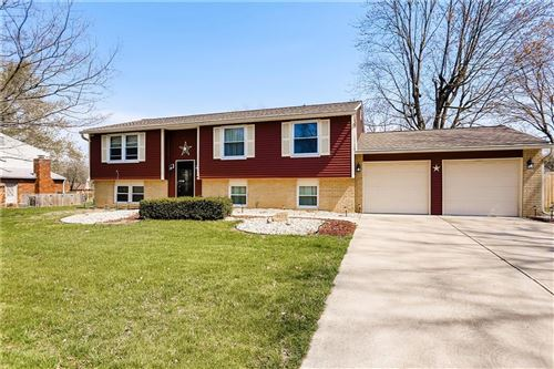 Photo of 8625 Royal Meadow Drive, Indianapolis, IN 46217 (MLS # 21783634)