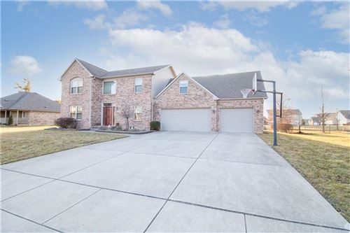 Photo of 1308 North Manchester Drive, Greenfield, IN 46140 (MLS # 21768635)