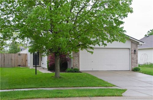 Photo of 344 Harts Ford Way, Brownsburg, IN 46112 (MLS # 21780638)