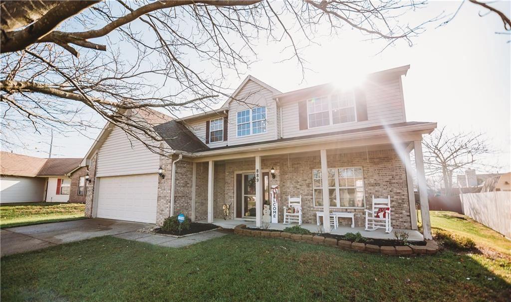 Photo of 889 Queensgate Drive, Greenwood, IN 46143 (MLS # 21754644)