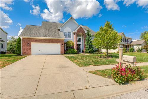 Photo of 728 Burr Oak Drive, Greenwood, IN 46143 (MLS # 21812646)
