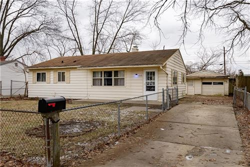 Photo of 459 South KENMORE Road, Indianapolis, IN 46219 (MLS # 21690647)