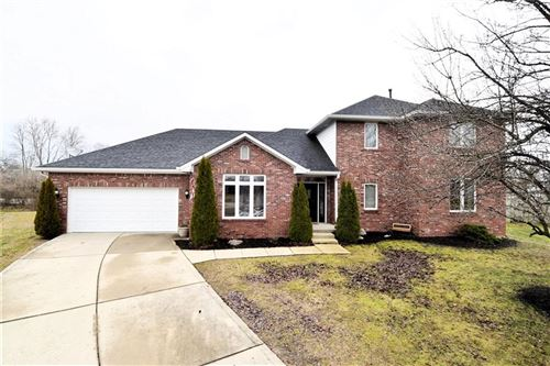 Photo of 3550 THE COURTS, Greenwood, IN 46143 (MLS # 21684657)