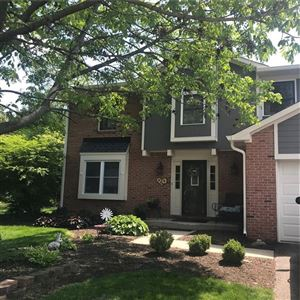 Photo of 35 Graystone, Zionsville, IN 46077 (MLS # 21641659)