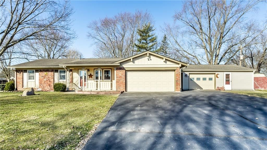 638 Lakeview Drive, Zionsville, IN 46077 - #: 21768660