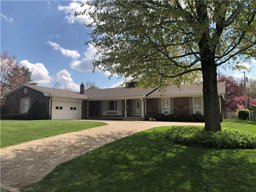 Photo of 772 BROOKVIEW Drive, Greenwood, IN 46142 (MLS # 21780669)