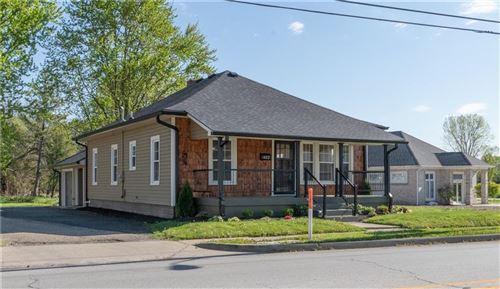 Photo of 422 East Main Street, Brownsburg, IN 46112 (MLS # 21782671)