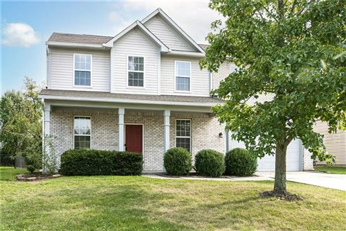 Photo of 11123 BEAR HOLLOW Drive, Indianapolis, IN 46229 (MLS # 21814671)