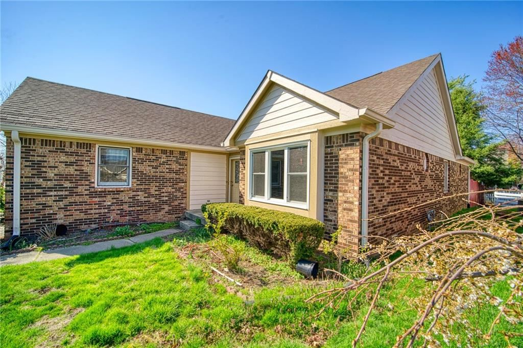 Photo of 1068 West SOUTHPORT Road, Indianapolis, IN 46217 (MLS # 21776673)