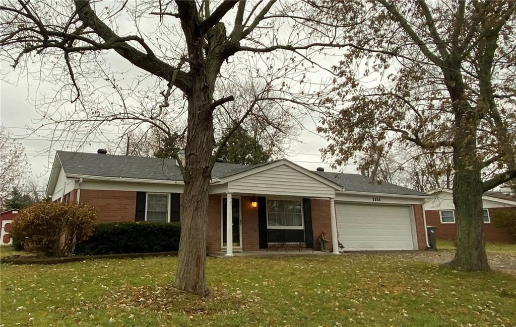 2904 Shakespeare Drive, Southport, IN 46227 - #: 21683677