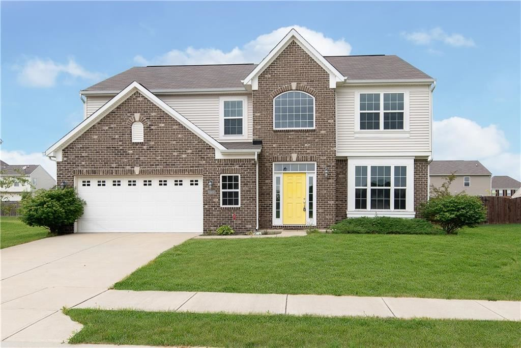 Photo of 1426 Berry Lake Way, Brownsburg, IN 46112 (MLS # 21721678)