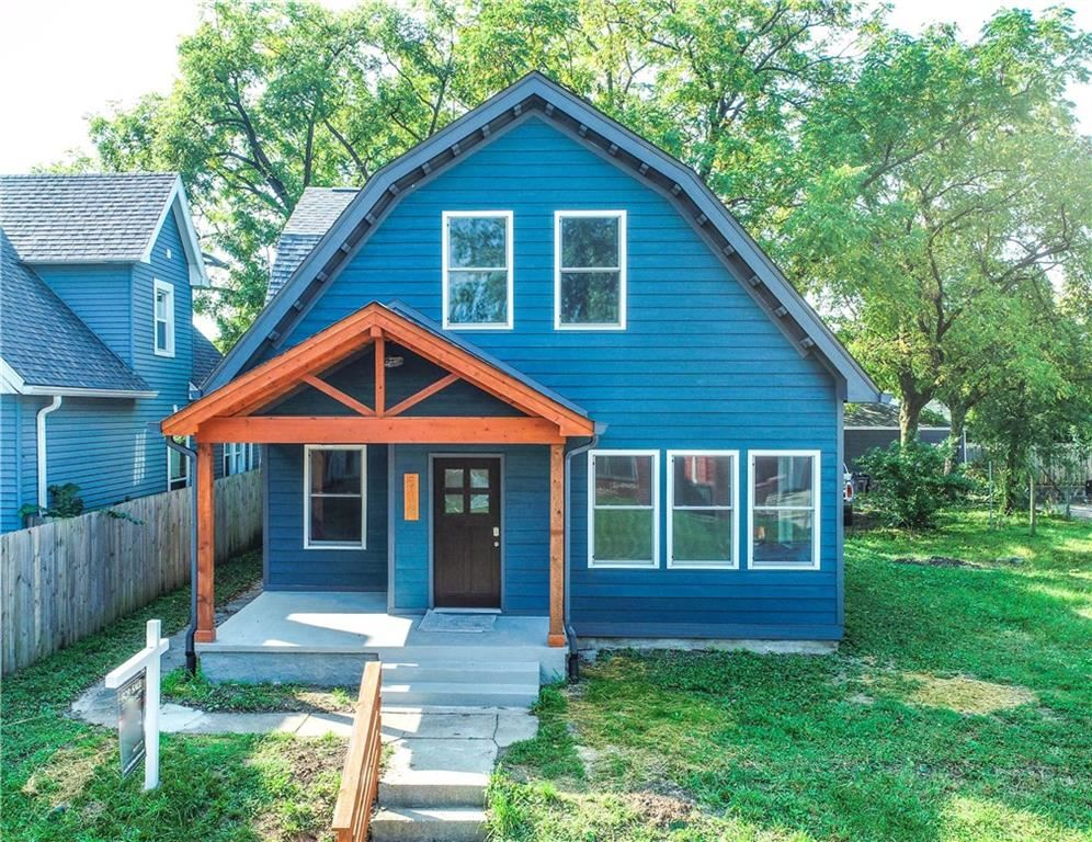 Photo of 519 East Cottage Avenue, Indianapolis, IN 46203 (MLS # 21736680)