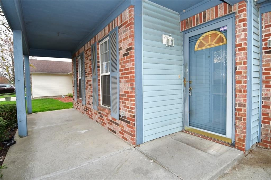 Photo of 4818 Sheehan Place, Indianapolis, IN 46254 (MLS # 21776682)