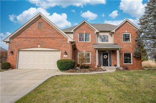 Photo of 4030 Brockton Manor North Drive, Greenwood, IN 46143 (MLS # 21760683)