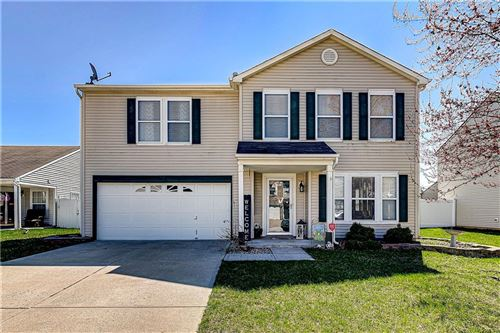Photo of 5501 Floating Leaf Drive, Indianapolis, IN 46237 (MLS # 21702695)