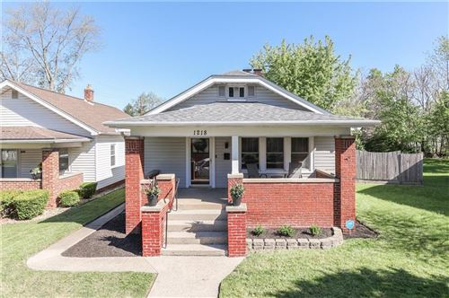 Photo of 1218 East Castle Avenue, Indianapolis, IN 46227 (MLS # 21784696)