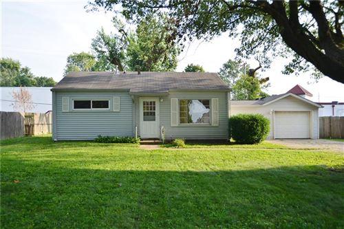 Photo of 425 Pleasant Run Drive, Greenwood, IN 46142 (MLS # 21736704)