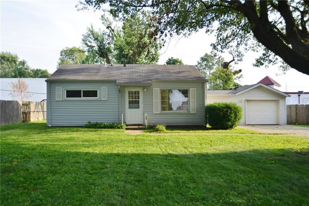 425 Pleasant Run Drive, Greenwood, IN 46142 - #: 21736704