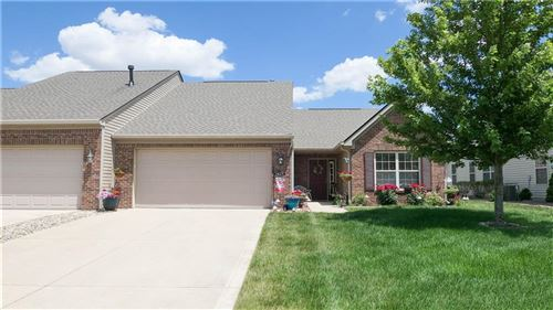 Photo of 1429 Colony Park Drive, Greenwood, IN 46143 (MLS # 21790710)