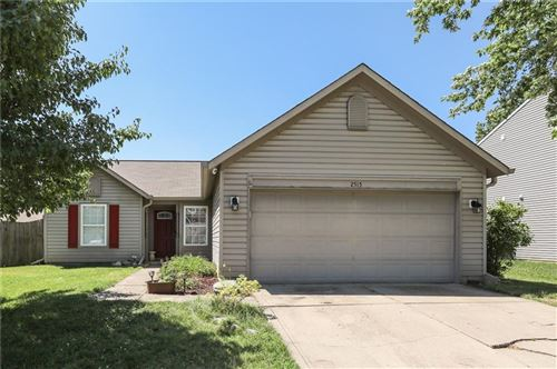 Photo of 2515 BRISTLECONE Drive, Indianapolis, IN 46217 (MLS # 21722724)