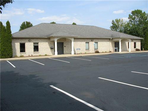 Photo of 640 Patrick Place #B, Brownsburg, IN 46112 (MLS # 21740724)