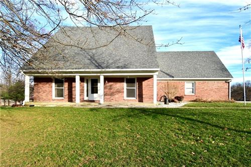 Photo of 1739 Skyline Drive, Greenwood, IN 46143 (MLS # 21687725)