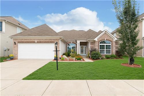 Photo of 6163 SUGAR MAPLE Drive, Zionsville, IN 46077 (MLS # 21736725)