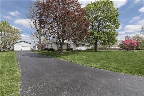 Photo of 898 West Cutsinger Road, Greenwood, IN 46143 (MLS # 21780727)