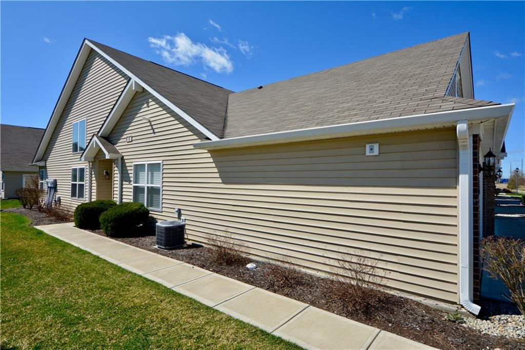 Photo of 9732 Highpoint Rdg Drive #104, Fishers, IN 46037 (MLS # 21702731)