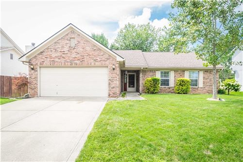Photo of 7846 South DAYLILY Drive, Indianapolis, IN 46237 (MLS # 21731742)