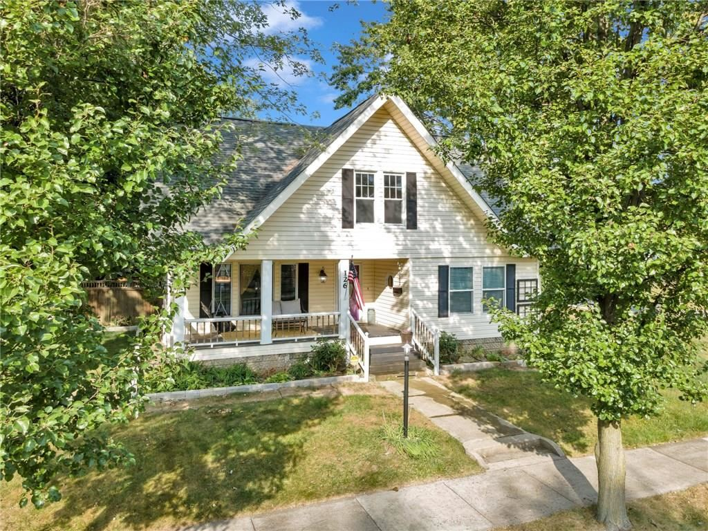 Photo of 126 South Jefferson Street, Mooresville, IN 46158 (MLS # 21740745)