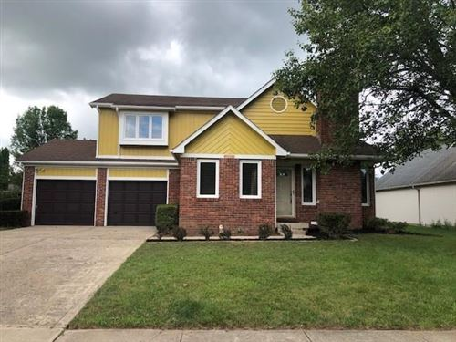Photo of 11507 OLD OAKLAND BLVD N Drive, Lawrence, IN 46236 (MLS # 21723749)