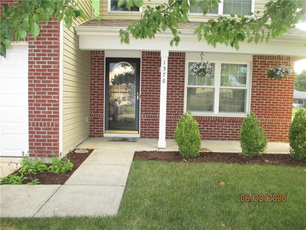 Photo of 1376 Fall Ridge Drive, Brownsburg, IN 46112 (MLS # 21721754)