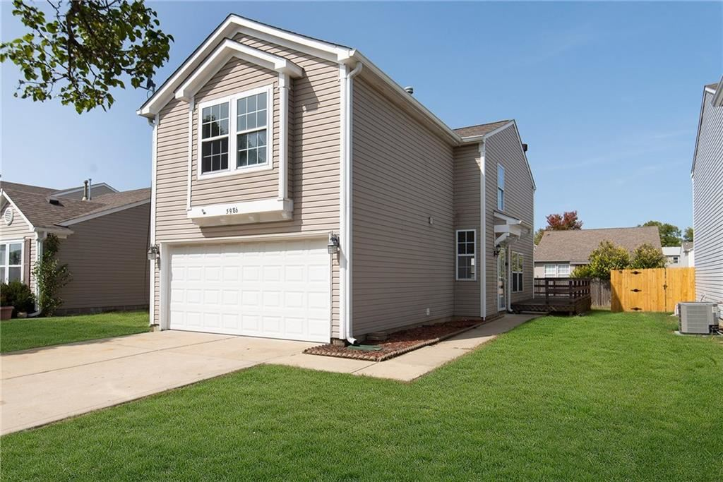 Photo of 5986 Claymont Boulevard, Plainfield, IN 46168 (MLS # 21738758)