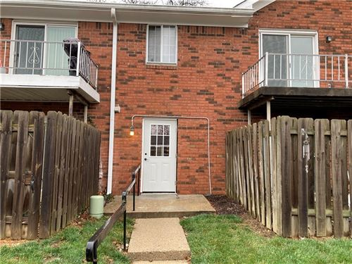 Photo of 910 PARK CENTRAL S DR Drive #D, Indianapolis, IN 46260 (MLS # 21754759)
