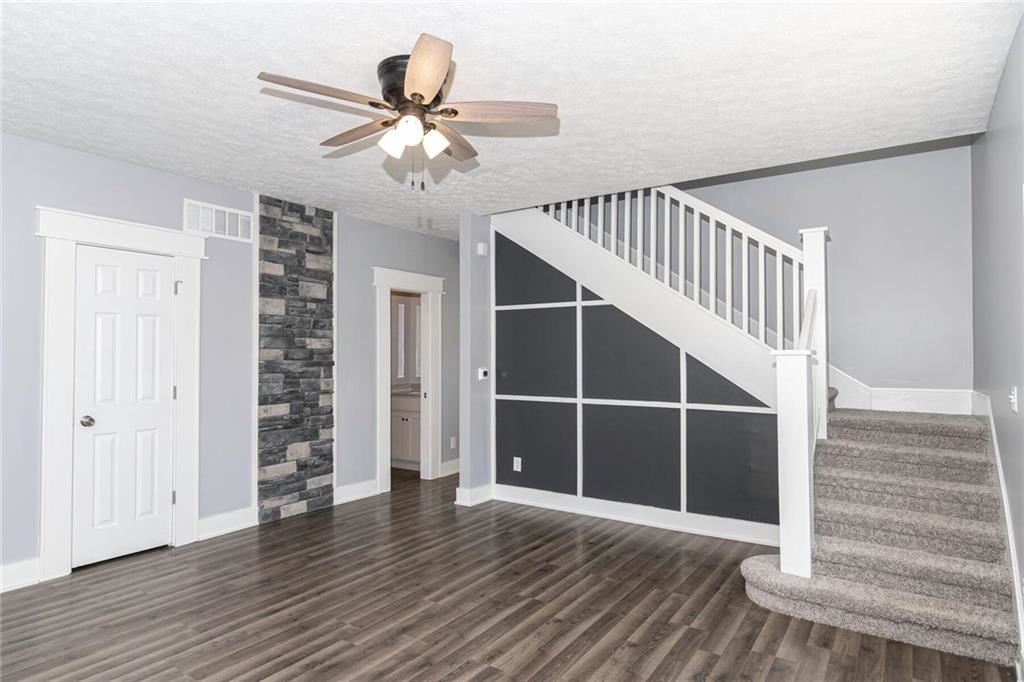 Photo of 338 East Michigan St, Fortville, IN 46040 (MLS # 21751760)