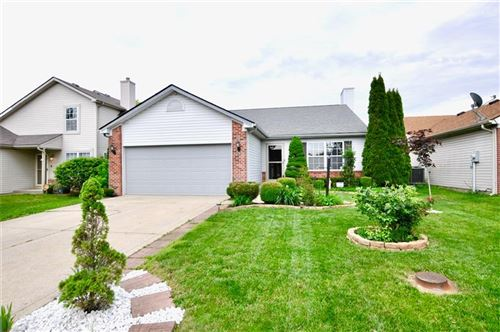 Photo of 4017 Waterfield Drive, Indianapolis, IN 46235 (MLS # 21715770)