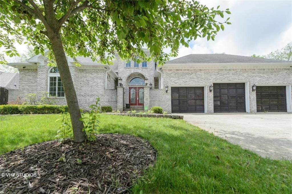 Photo of 6879 CARTERS GROVE Drive, Noblesville, IN 46062 (MLS # 21711771)
