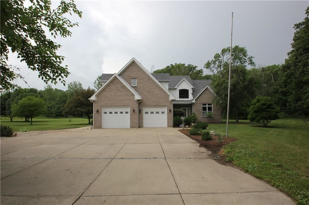 Photo of 10831 North 900 E, Brownsburg, IN 46112 (MLS # 21722775)