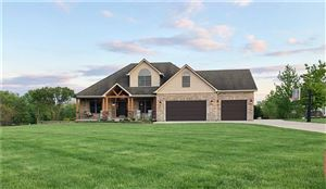 Photo of 1115 North Sugar Bend, Greenfield, IN 46140 (MLS # 21639776)