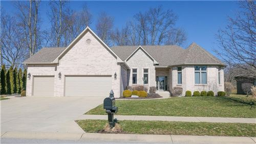 Photo of 5834 Peaking Fox Drive, Indianapolis, IN 46237 (MLS # 21696790)