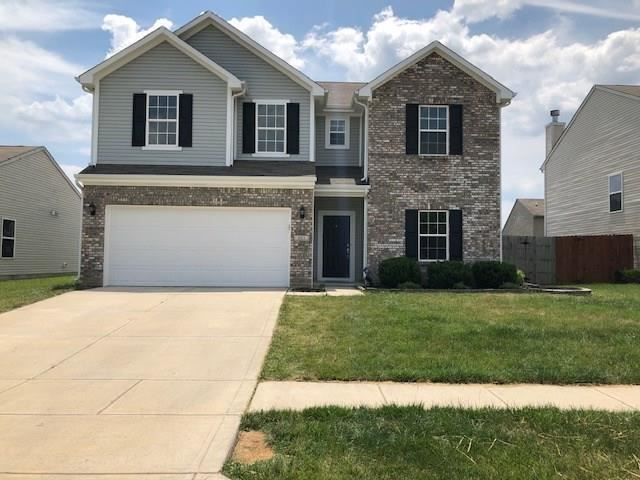 Photo of 661 Grassy Bend Drive, Greenwood, IN 46143 (MLS # 21722790)