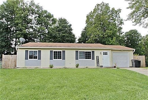 Photo of 5823 BEAU JARDIN Drive, Indianapolis, IN 46237 (MLS # 21729798)