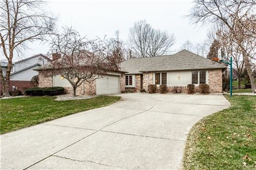 Photo of 6564 Mossy Rock Lane, Indianapolis, IN 46237 (MLS # 21689801)